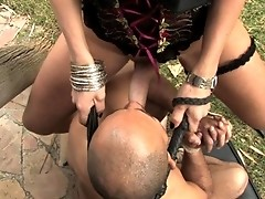Hot brazilian trenssexual fucking her slave in the ass